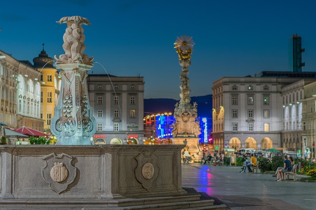 Fountain and column on Linz's main square
