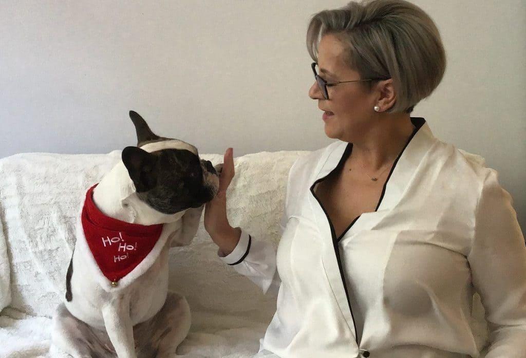 Maria del Pilar mit Hund Buddy